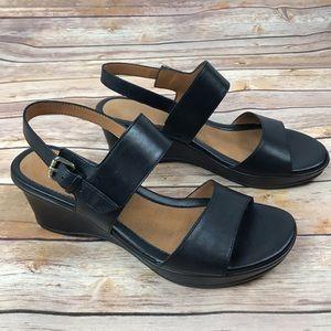 Naturalizer Vibrant Leather Open Toe Sandals